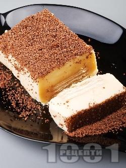 Лесна бисквитена торта с желиран крем пудинг праскова, поръсена с настърган шоколад - снимка на рецептата